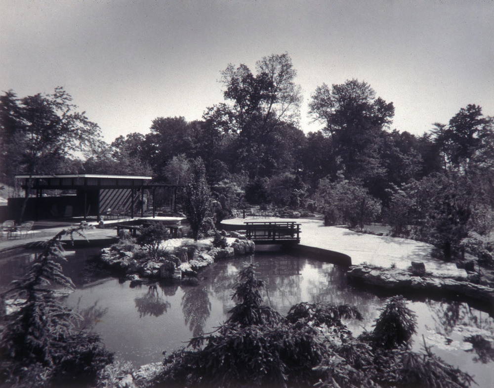 Ethelbert Furlong designed an outdoor shelter to complement the Japanese-style pond and gardens at Capitol Car Distributors. Stewart Brothers, photographers, circa 1966. Smithsonian Institution, Archives of American Gardens, Garden Club of America Collection.