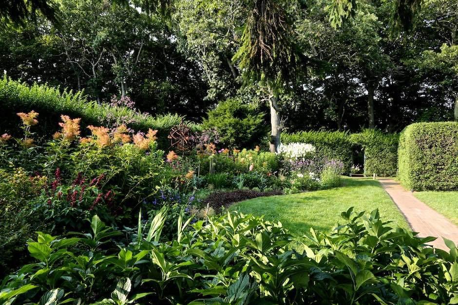 Bridge Gardens in summer bloom