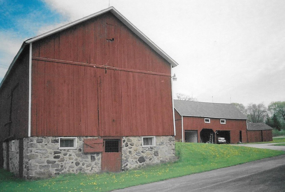 Barg Family Homestead barn (sideview) with shed.
